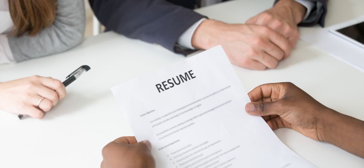 Resume maker- What is the job of resume maker in the life of job oriented society?