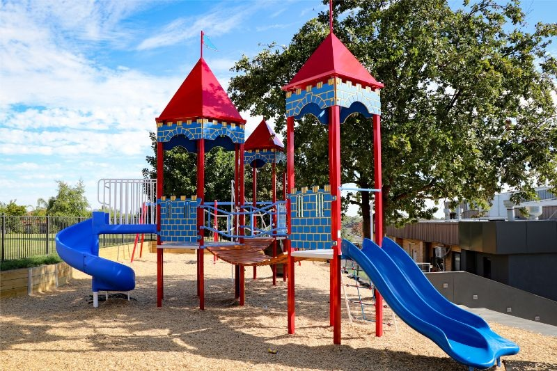 Discover the many benefits of working with a playground equipment supplier
